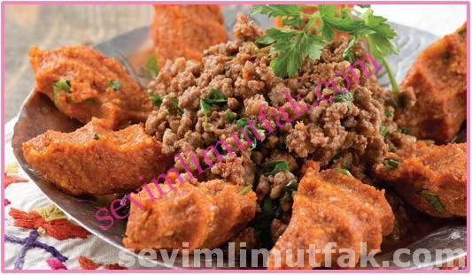 Arap Kebabı Ve Patatesli Köfte Nasıl Yapılır?