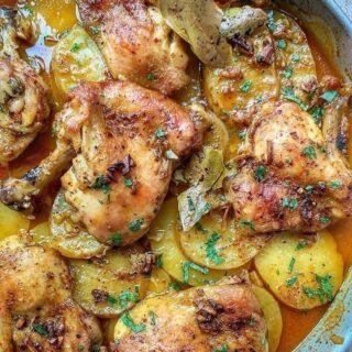 Baharatlı Sarımsaklı Tavuk Nasıl Yapılır?